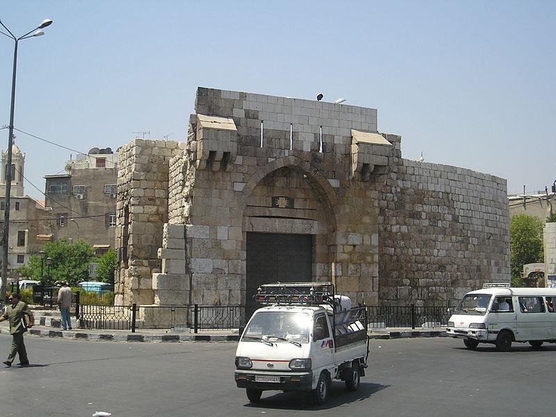 http://upload.wikimedia.org/wikipedia/commons/thumb/4/45/DamascusBabTouma.jpg/800px-DamascusBabTouma.jpg