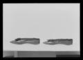 Damsko, pumps, (till vänstersko) av brunviolett chevrå - Livrustkammaren - 1017.tif