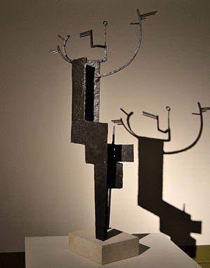 Welded sculpture - Daphné, Julio González, bronze fos, 140 x 66 x 29 cm. 1937, Institut Valencià d'Art Modern.