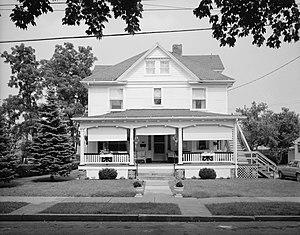 Llyswen Historic District - David G. and Margaret Stewart House, August 1989