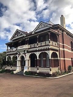 Dilhorn House