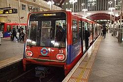 Docklands Light Railway 13 (13168833555).jpg