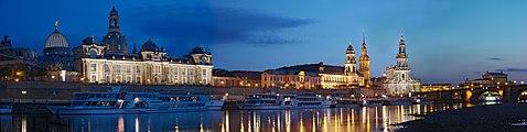 Dresden-nightpanorama-dri.jpg