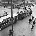 Drukte in de stad en bij de tram, Bestanddeelnr 901-6279.jpg