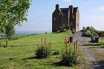 Dunduff castle.jpg