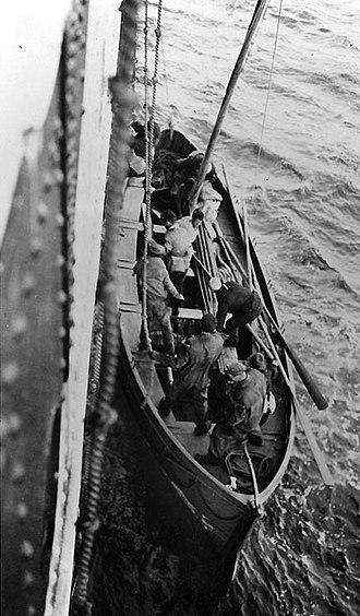 SS Dwinsk - Image: Dwinsk survivors rescued by USS Siboney