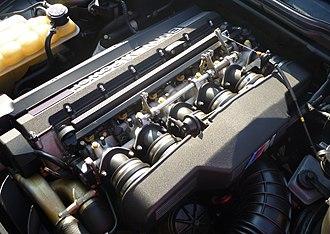 BMW S38 - Image: E34M5S38B36