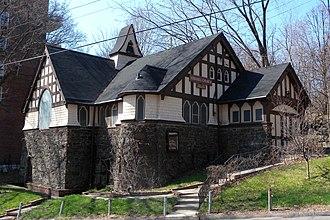Spuyten Duyvil, Bronx - Looking northwest at Edgehill Church of Spuyten Duyvil
