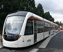 220px-Edinburgh_tram_02.jpg