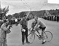Eerste dag Tour de France Nederlands peloton Reims. Finish Darigade (Frankrijk) , Bestanddeelnr 907-8761.jpg