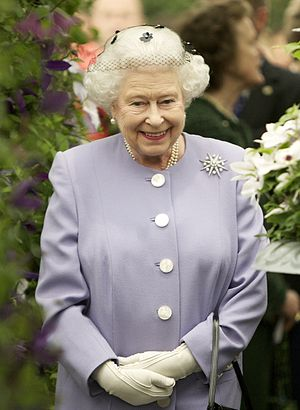 Monarchy of Grenada - Image: Elizabeth II at a flower show