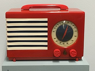 "Catalin - Emerson Model 400-3 ""Patriot"" (1940) radio, made of Catalin"