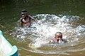 Enfants jouant dans la rivière Malanza (São Tomé) (3).jpg