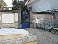 Entrée fosses communes Picpus.jpg