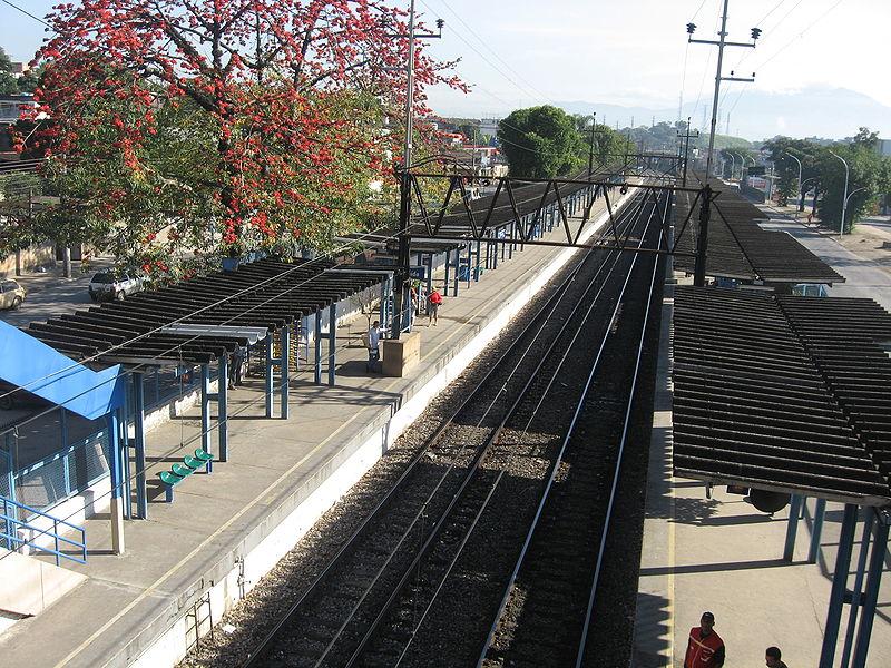 File:Estação de Juscelino.JPG