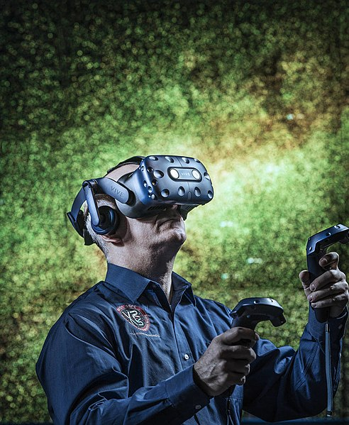 File:Exploring the Universe in Virtual Reality.jpg