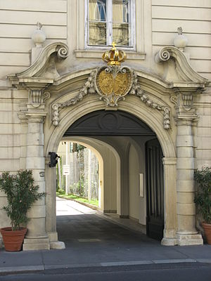 Diplomatic Academy of Vienna - Main entrance of the Diplomatic Academy, adjacent to Theresianum
