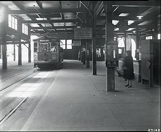 Andrew station - Image: Fields Corner trolley at Andrew Square station, 1940s