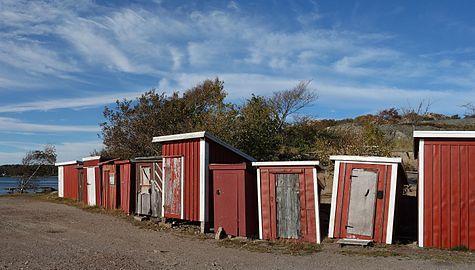 Fishing huts at Holländaröd.jpg