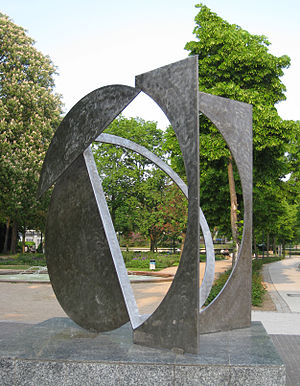 Fletcher Benton - Folded Square D, Offenbach/Germany, 1981