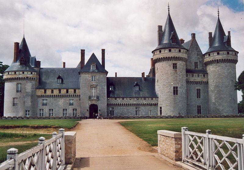 File:France Loiret Sully-sur-Loire Chateau 05.jpg