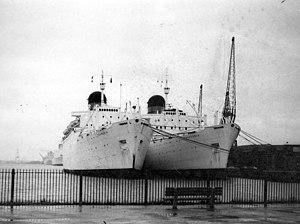 RMS Ivernia - Franconia and Carmania laid up in Southampton.