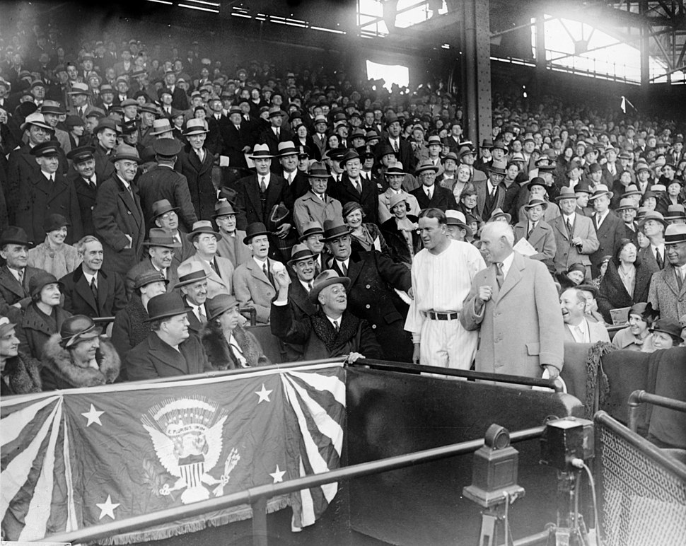 Franklin Roosevelt throwing opening ball at Griffith Stadium cph.3c33862