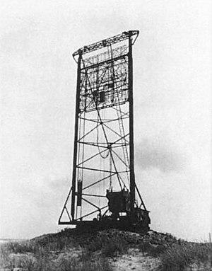 "Freya radar - FuMG 401 ""Freya-Fahrstuhl"" (German: Freya elevator)"