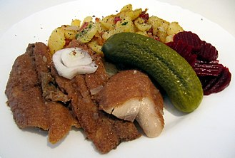 Brathering - A traditional and simple lunch in Hamburg: Brathering with fried potatoes