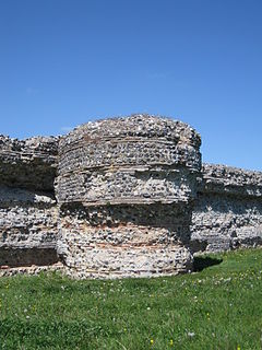 Gariannonum Burgh Castle east wall turret detail.jpg