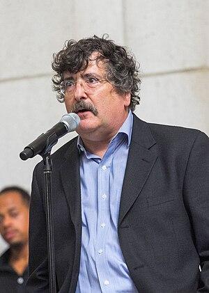 Gene Weingarten - Image: Gene Weingarten speaking before Joshua Bell concert at Union Station in DC