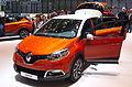Geneva MotorShow 2013 - Renault Captur orange with white roof.jpg