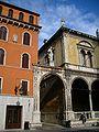 Girolamo Fracastoro's statue in Verona 1.JPG