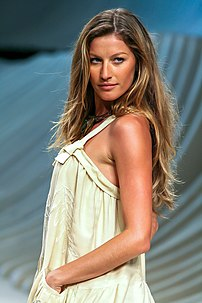 Brazillian model Gisele Bündchen at the Fashio...