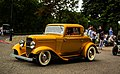 Gold hot rod (8010043073).jpg