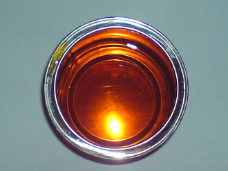Golden syrup - Golden syrup's characteristic amber colour
