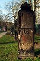 Grabmal des Bäckermeisters Johann Gerhard Helmcke 1750-1824 Neustädter Friedhof Hannover I.jpg