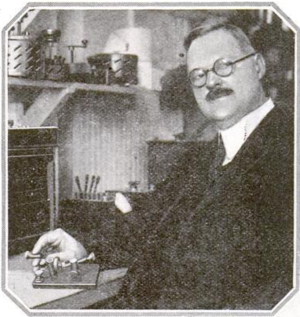 Greenleaf Whittier Pickard - Image: Greenleaf Whittier Pickard in his Boston laboratory