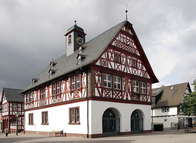File:Gross Gerau Rathaus 01.jpg