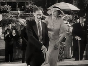 Duck Soup (1933 film) - Groucho Marx and Margaret Dumont