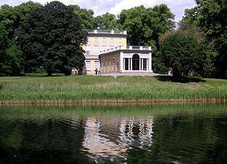 Fjäriln vingad syns på Haga - Fjäril'n vingad describes King Gustav III's Haga Park