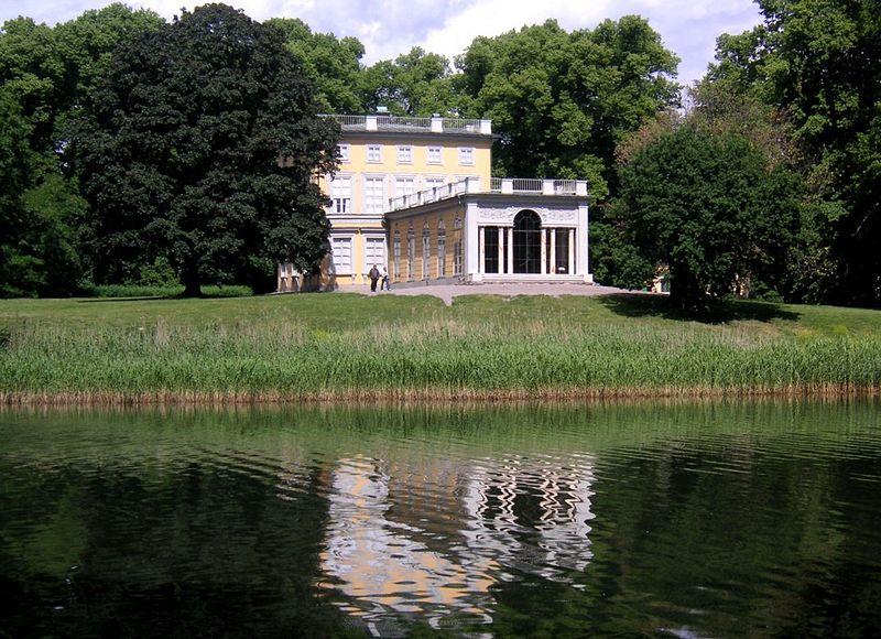 Gustav III Paviljong 2.jpg