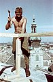 Győr, Püspökvár tornya, háttérben a székesegyház tornya. Építik a légvédelem számára a megfigyelő állást. Fortepan 27334.jpg