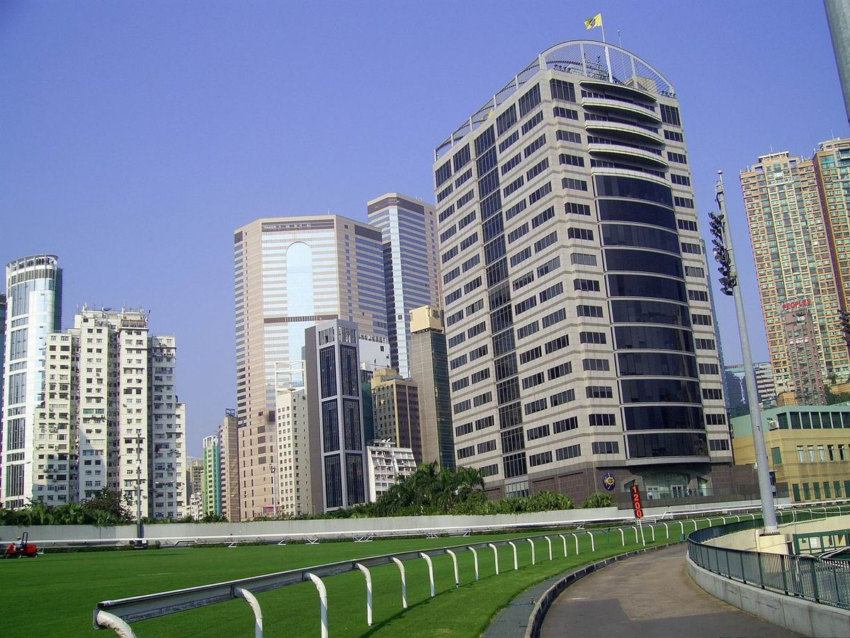 Hong kong jockey club for Puerta 4 jockey club