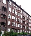 Hamburg-Barmbek, typische Backsteinbebauung.jpg