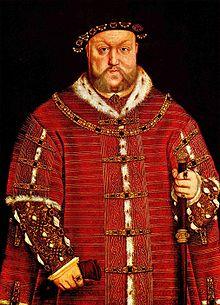 Portrett av en overvektig mann iført en løs rød tunika med gyldne mønstre