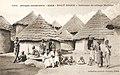 Haut-Niger-Intérieur de village Malinké (AOF).jpg