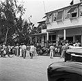 Het spreekuur in het kantoor van de districtscommisaris in Nieuw-Nickerie, Bestanddeelnr 252-5409.jpg
