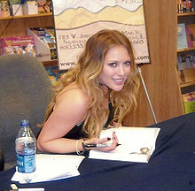 Hilary Duff @ Book Signing.jpg