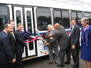 Mike Honda - Honda (center) at the August 2006 ribbon-cutting ceremony for the opening of a zero-emissions, hydrogen fuel cell bus program
